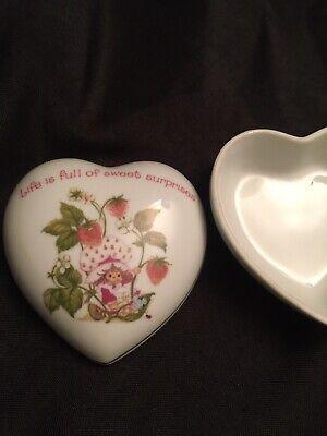 Rare vintage Strawberry Shortcake heart-shaped trinket box-jewelry porcelain