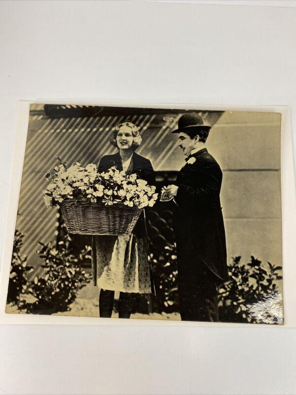 "CHARLIE CHAPLIN & VIRGINIA CHERRILL ""CITY LIGHTS"" CARD STOCK PROMO PHOTO"