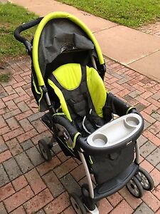 Chicco cortina travel system stroller. Zest