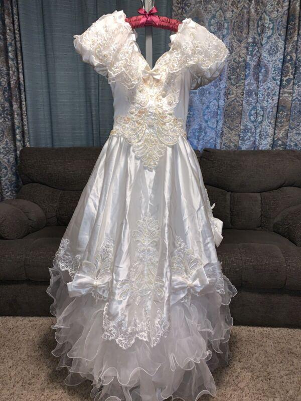 BEAUTIFUL Vintage Wedding Dress Gown Ruffle Train Beads Iridescent Sequins Sz 4