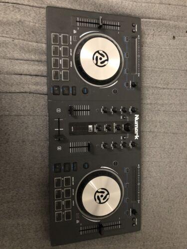 dj controller numark MT3