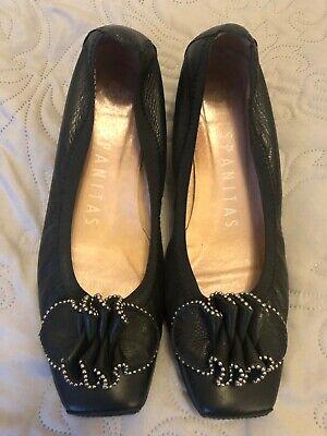 Ladies Genuine Leather Shoes, size 5 by HISPANITAS