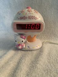 Hello Kitty Digital  Alarm Clock & AM/FM Radio