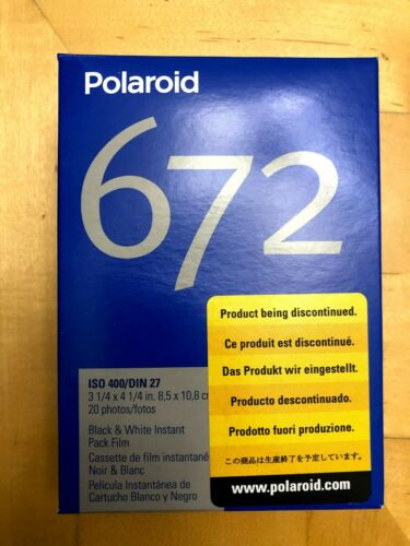 Polaroid 672 ISO 400/DIN 27 Black and White Instant Pack Film 20 Exp 06/2009