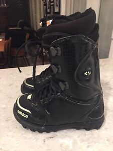 $50 - W's size 8 Thirtytwo Snowboard Boots