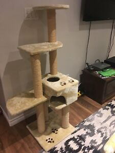 Cat Stand/Scratching post