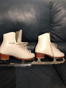 Riedell figure skates youth 4.5