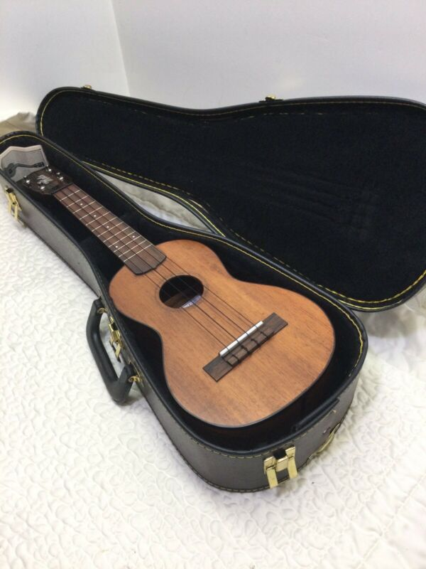 VINTAGE BRADDAH UKULELE BY Luthier  MICHAEL ROCK Excellent....