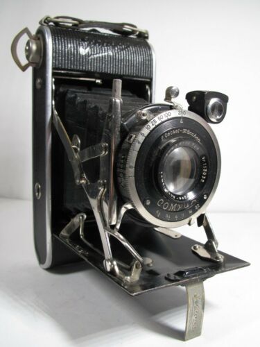 Antique Ihagee folding camera with 105mm f/4.5 Ihagee anastigmat lens