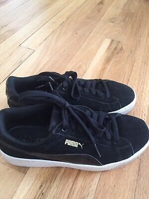 Puma Suede Womens Size 7 Low Top Lace Up Shoes Sneakers Black