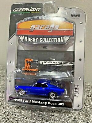 Greenlight Muscle Car Garage Hobby Collection 1969 Ford Mustang Boss 302