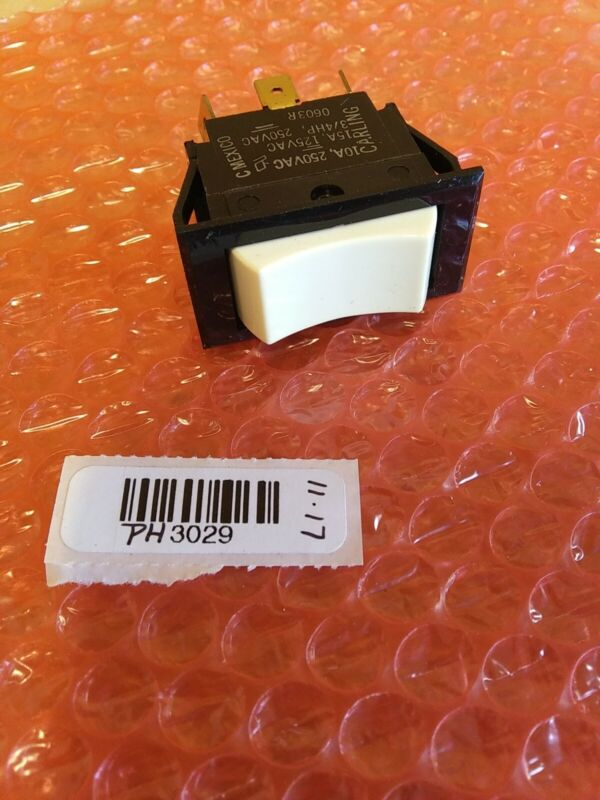 Carling 0603R Rocker Switch. *TIGM5B-6S-WH-NBL