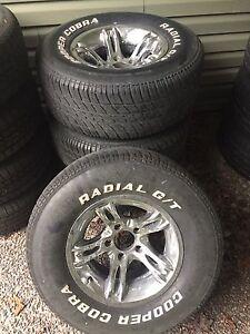 "15x8"" aluminum wheels and 255/70r15 tires"