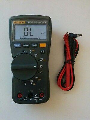 Fluke 115 True Rms Digital Handheld Multimeter New Test Lead Probes - Nice