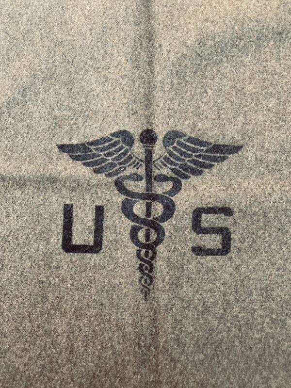 US MILITARY OD GREEN WOOL (86%)BLANKET WITH MEDICAL SYMBOL. Size: 67x91