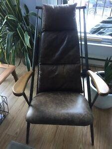 Fauteuil Relax Must Maison Corbeil Lounge chair Neuf 650$