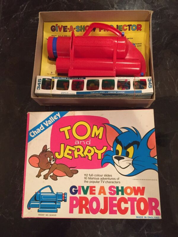 RARE VTG TOM & JERRY GIVE A SHOW PROJECTOR 1971 MINT IN BOX CHAD VALLEY ENGLAND