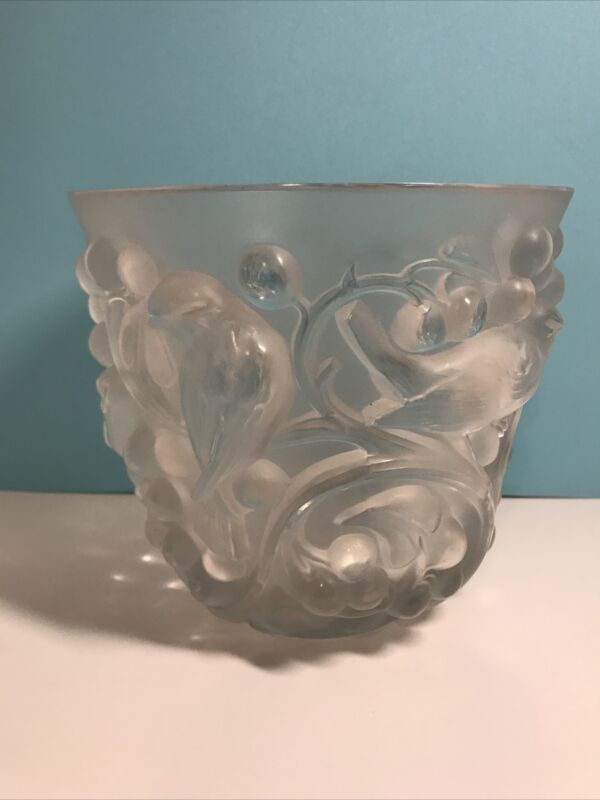 R.Lalique France Avallon: Frosted birds in grapes and vines motif glass Vase.