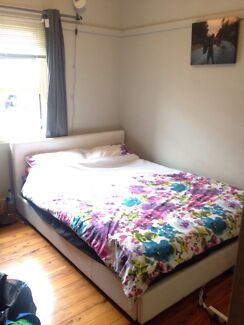 Large double room avail 21st Oct, North Bondi North Bondi Eastern Suburbs Preview