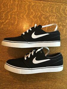 Nike Janoski SB Shoes (Size 8)
