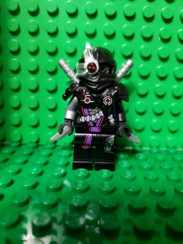 Lego Ninjago White Nindroid Bricktober Minifigure w Swords 2017 5004938 njo418