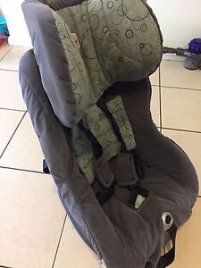Popular safe and sound car seat 0-4 Years Rooty Hill Blacktown Area Preview