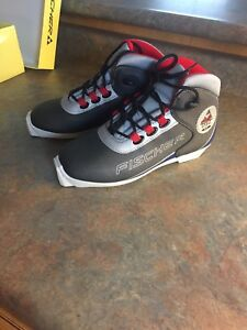 New Fischer cross country skiing boots