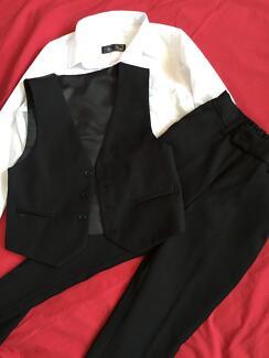 Size 6 suit (shirt/pants/vest) Bolwarra Maitland Area Preview