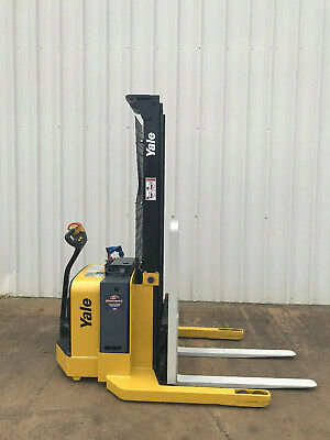 2009 Yale Walkie Stacker - Walk Behind Forklift - Straddle Lift Only 2047 Hours