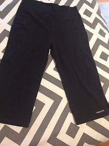 Size med reebok work out pant fit small