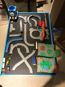 Thomas the train pack and play set