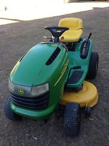 JOHN DEERE L110 RIDE ON MOWER Capalaba Brisbane South East Preview