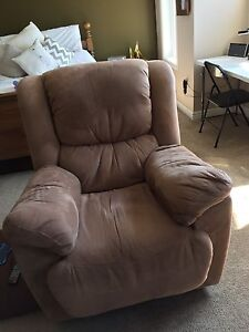 Move Out Sale: Reclining Chair