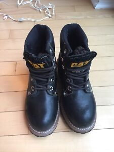 CAT womens Steel toed boots