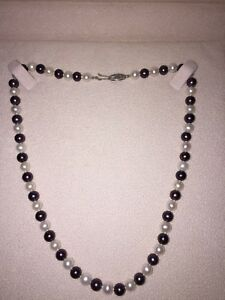 WHITE & BLACK TAHITIAN PEARL NECKLACE