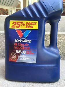 One 5L Valvoline Motor Oil 5W30