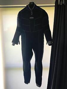 XL Semi Dri 5mm Scuba wetsuit Banjup Cockburn Area Preview