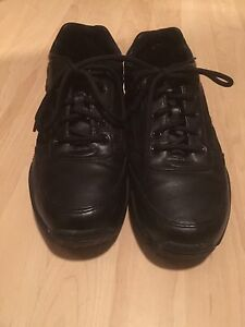 Dakota size 10 1/2 dress shoe mint condition