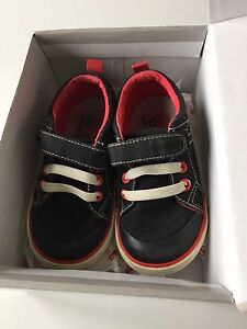 Size 8 Tanner See Kai Run Sneakers