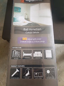 Bali timber white venetian blind brand new in box size 210 x 210c Roxburgh Park Hume Area Preview