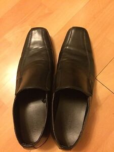 Men's black dress shoes size 13