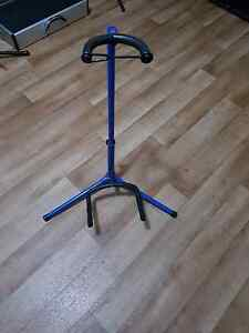Guitar stand Midland Swan Area Preview