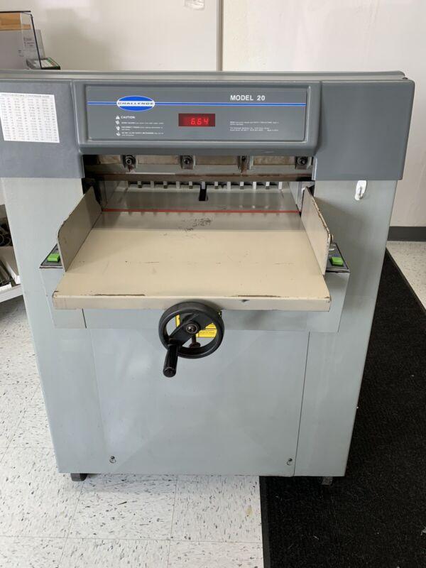 CHALLENGE MODEL 20 20″ HYDRAULIC PAPER CUTTER