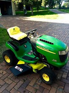 John Deere L110 automatic 17.5 hp ride on mower Riverview Ipswich City Preview