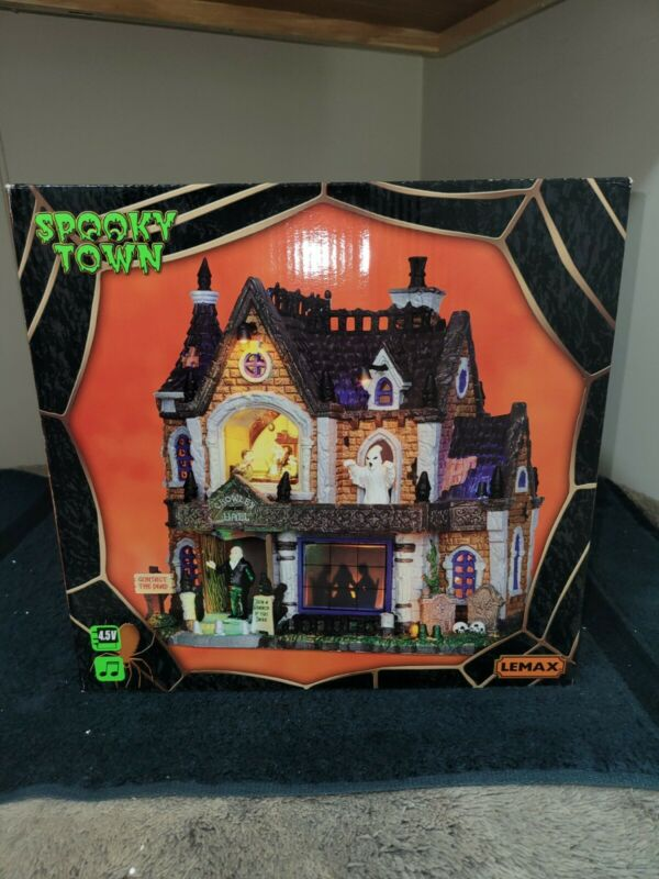 Crowley Hall - Lemax Spooky Town - Brand New - WITH Outer Box! - NRFB - Complete