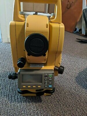Topcon Gpt-3005w Reflectorless Totalstation Survey Equipment With Case
