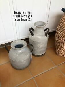 Decorative vases - pick up East Maitland