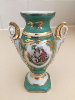Cute vase collectable