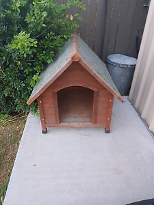 Dog house / kennel Mansfield Brisbane South East Preview