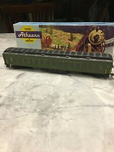 Passenger Train Car - HO Scale
